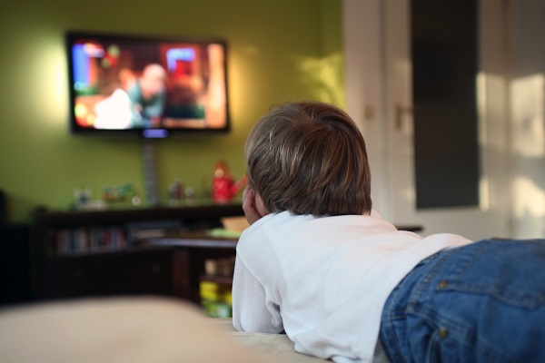 éduquer-enfants-selon-dieu-regarder-la-télé