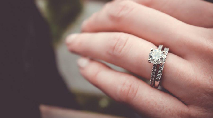 Femmes de Dieu: comment elles prient pour leur futur époux