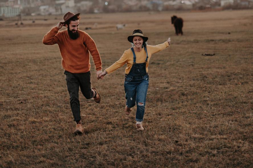Penser à l'autre d'abord : une bien meilleure façon de vivre heureux au foyer
