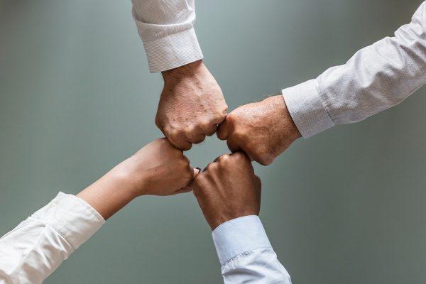 10 conseils pour entretenir la fraternité dans le service à Dieu