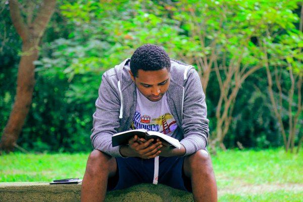Méditer la Bible : Une thérapie pleine de bénéfices !