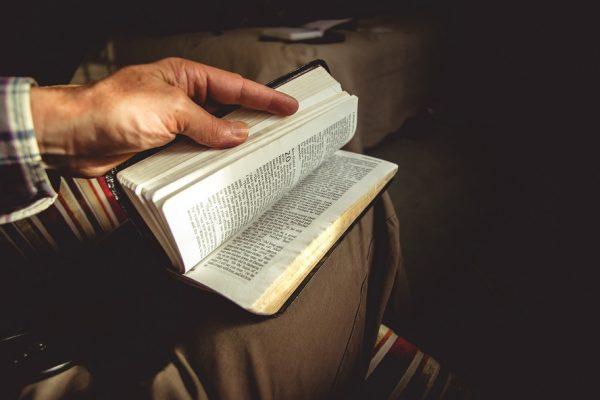 Pourquoi faut-il méditer la Bible tous les jours ?