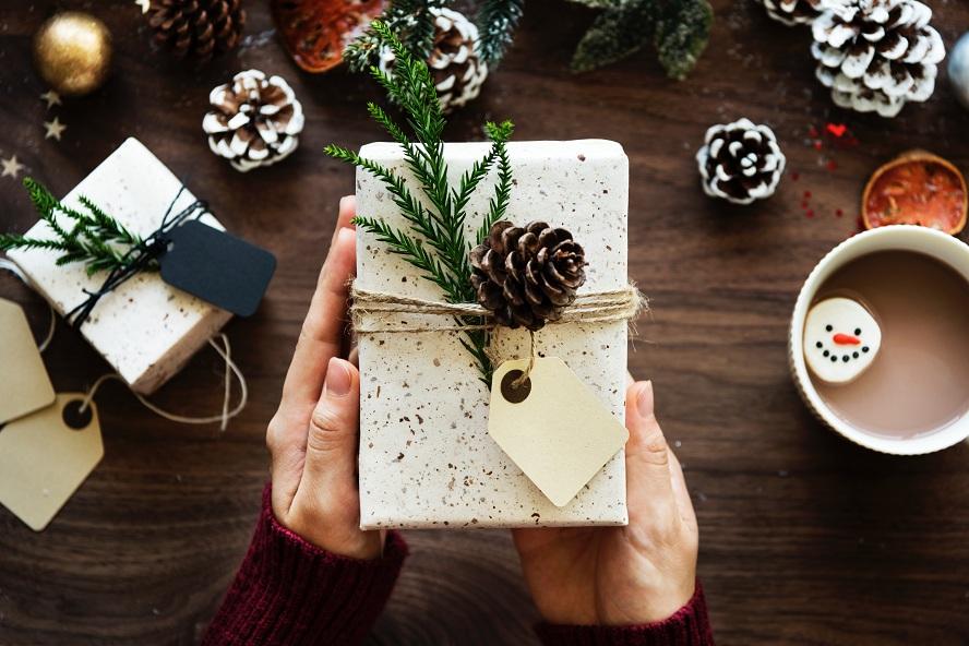 Tout le monde mérite un cadeau de Noël, découvre le tiens !