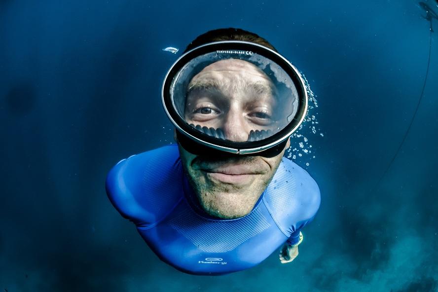 Baptême : Pourquoi doit-on forcément être plongé?