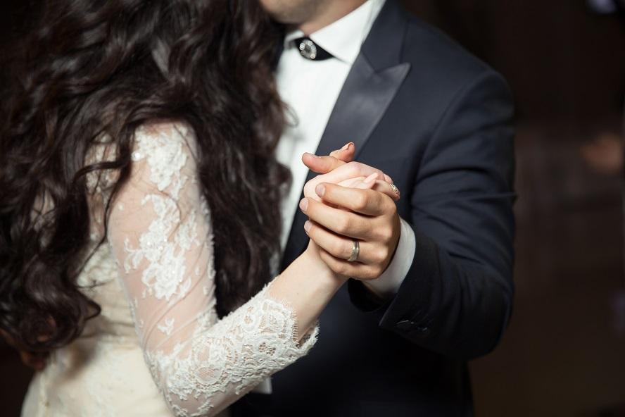 Comment m'y prendre pour que mon époux demeure doux et attentionné ?
