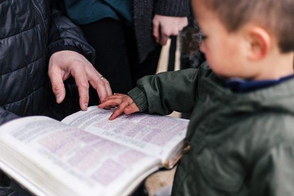 Apprendre le contentement à son enfant ; le préparer à la vraie vie !