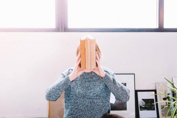 Comment gérer la solitude durant le confinement ?