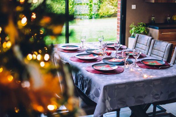 Je ne suis toujours pas marié(e) et je me sens si seul(e) à Noël. Que dois-je faire ?